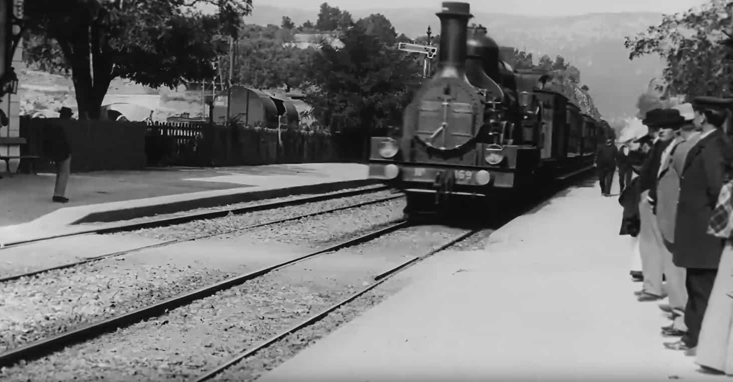 «Прибытие поезда» братьев Люмьер