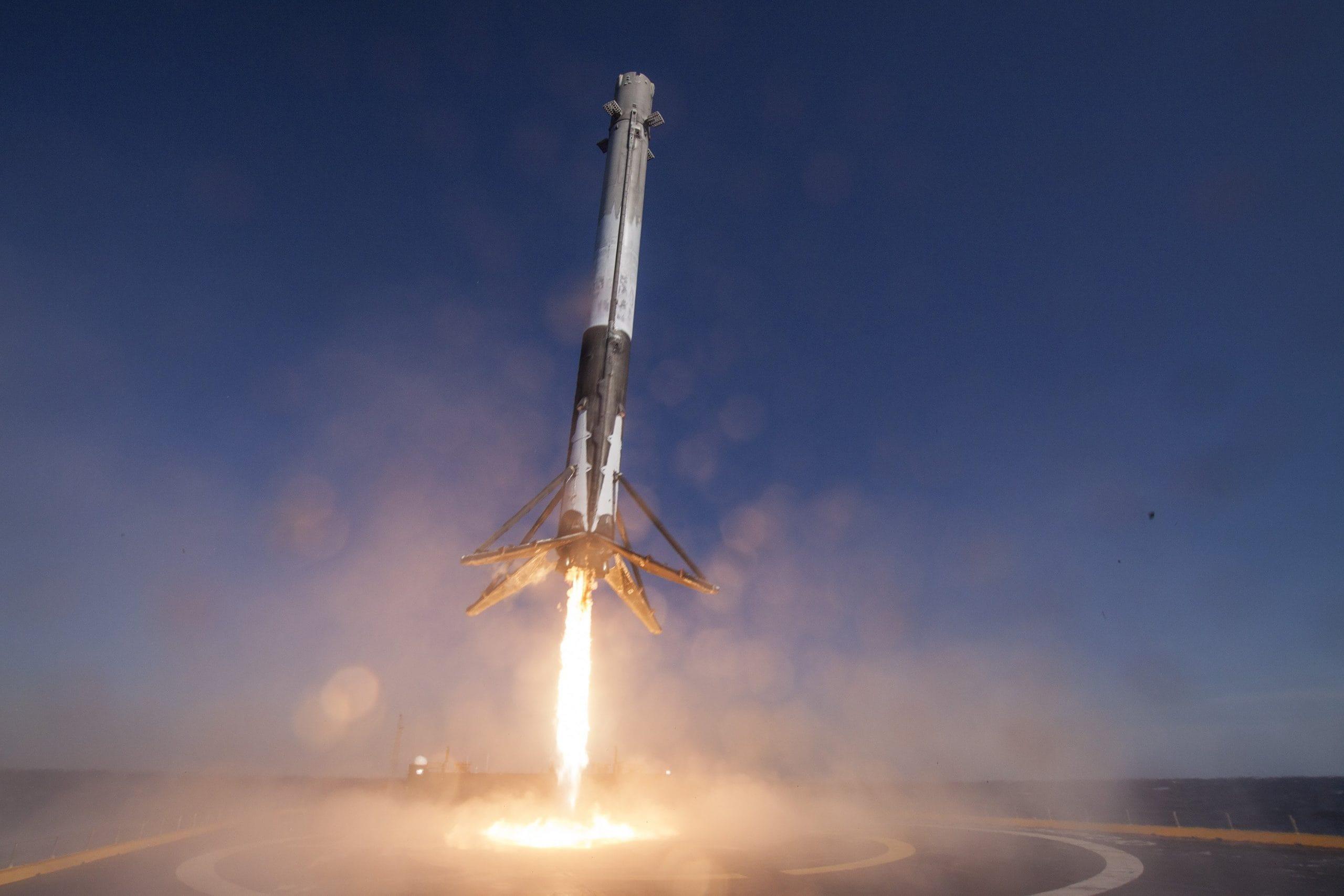 Возвращаемая ступень SpaceX