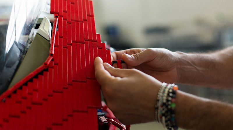 Ducati Panigale V4 R из Lego